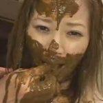 【スカトロ動画】美女に強制脱糞させて山盛りウンコを食べさせるスカトロ調教!