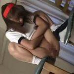 【ロリ スカトロ動画】マン毛も生えてない中学生みたいなブルマ少女の渾身の排便姿をご覧下さい!