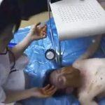 【スカトロ動画】ドSナースの食糞療治!中年男性患者の顔面に大量のウンコを塗糞して無理やり食べさせる…
