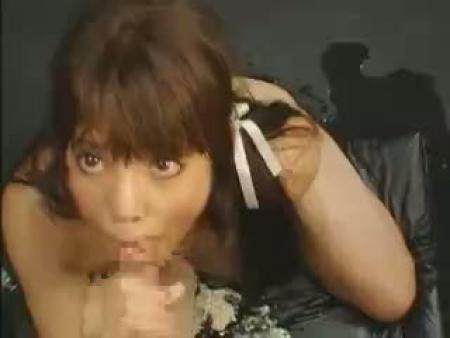 【ゲロ スカトロ動画】ツインテ美少女が地獄イラマチオで大量嘔吐!苦しむ顔に興奮した変態が容赦なく腰を振るww