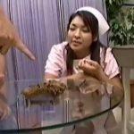 【スカトロ動画】肛門科のナースが医師に浣腸ぶち込まれ強制脱糞!医師「これで研修は終わりだ。いい糞だったよ」